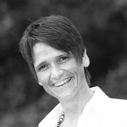 Barbara Debus