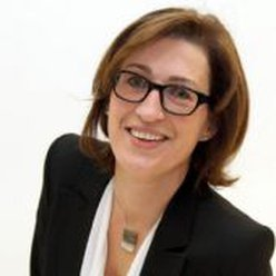 Manuela Schiller